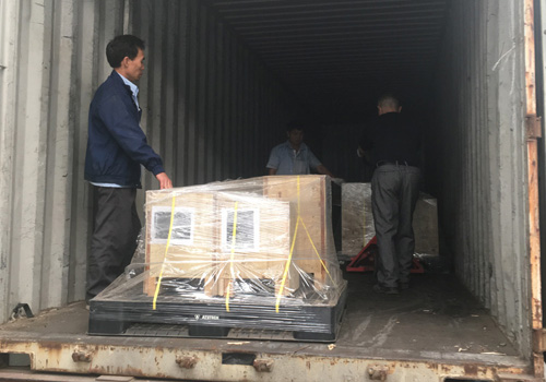 进口模具境外指导打包装柜